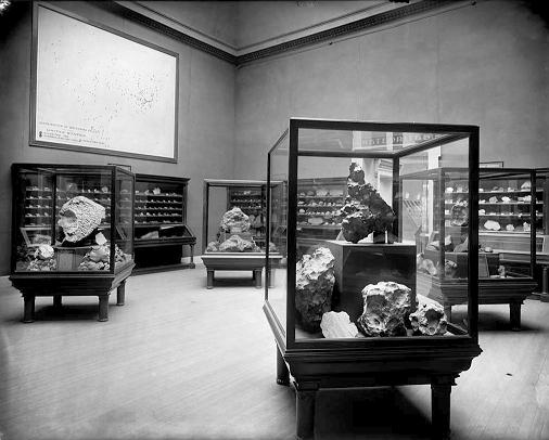 Meteorite Room at the Chicago Field Museum in 1905